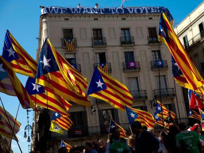 Demonstration Katalonien - Foto: Das Referendum soll am 1. Oktober gegen den Widerstand der Zentralregierung durchgeführt werden. Foto:Emilio Morenatti