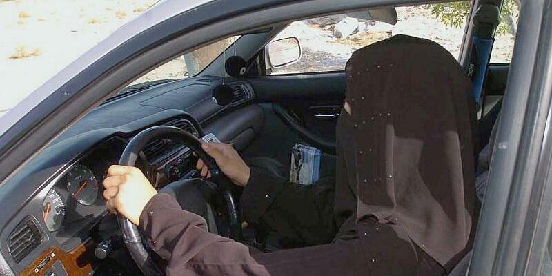 Autofahrerin - Foto: Waseem Obeida/Symbolbild