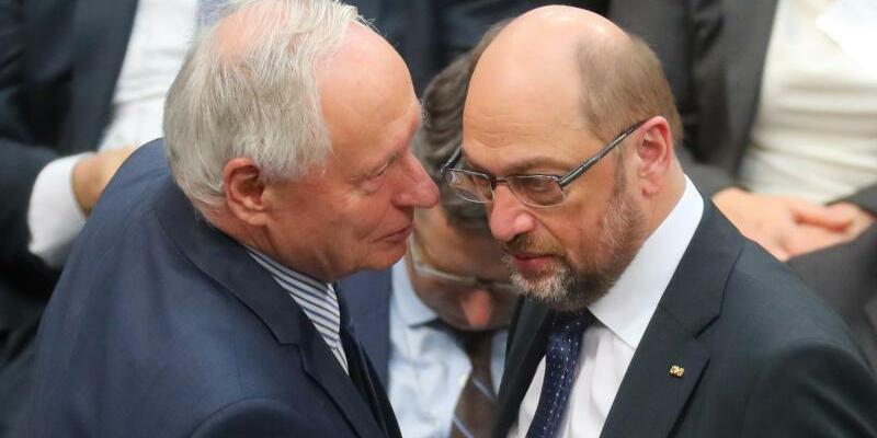 Lafontaine und Schulz - Foto: Kay Nietfeld