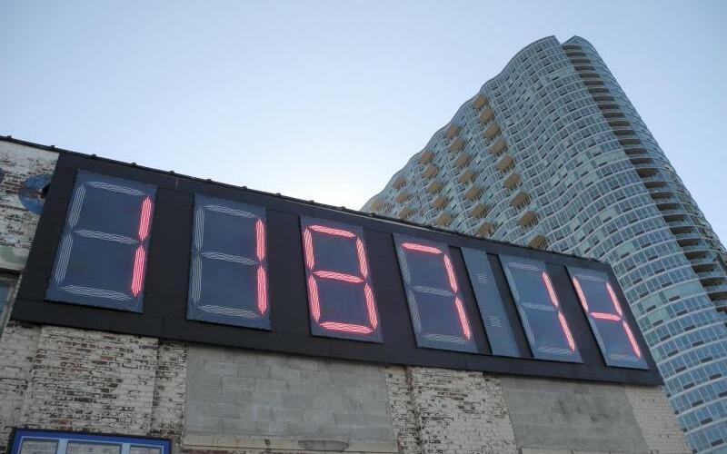 Digitaluhr in New York - Foto: Johannes Schmitt-Tegge