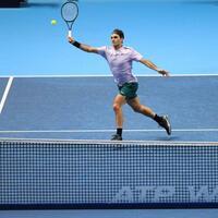 Ungeschlagen - Foto: Roger Federer gewinnt gegen Marin Cilic auch sein drittes Gruppenmatch bei den ATP-Finals. Foto:Adam Davy