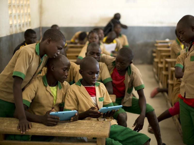 Schulkinder in Kamerun - Foto: Prinsloo/Unicef