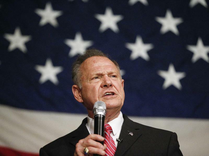 Roy Moore - Foto: Mehrere Frauen beschuldigen den republikanischen Kandidaten Roy Moore, sie in den siebziger und achtziger Jahren sexuell belästigt zu haben. Foto:Brynn Anderson