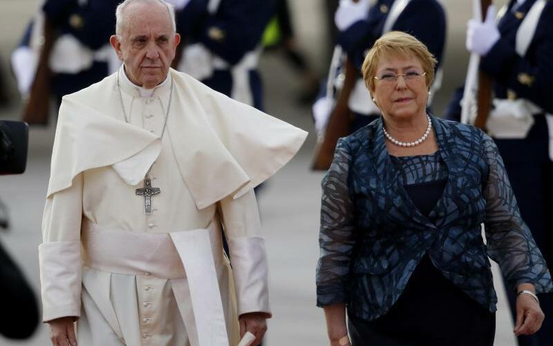 Franziskus und Bachelet - Foto: Mario Davila Herandez