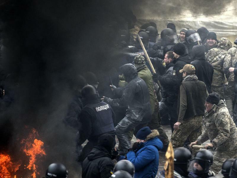 Harte Auseinandersetzung - Foto: Andrew Kravchenko