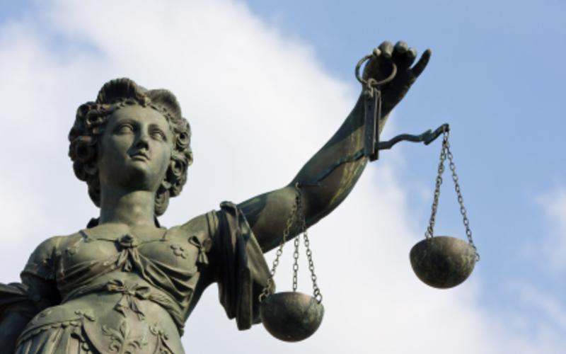 Justitia - Foto: iStockphoto.com / arturbo