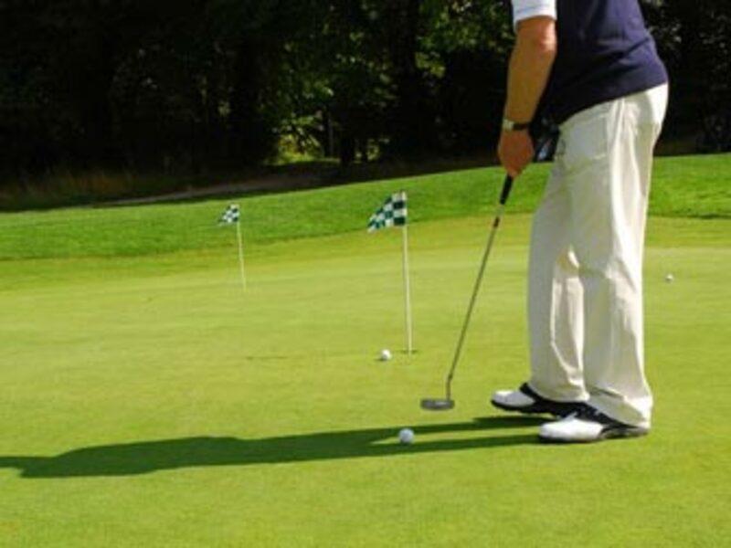Golf Spieler - Foto: Fotolia.com / charly_lippert