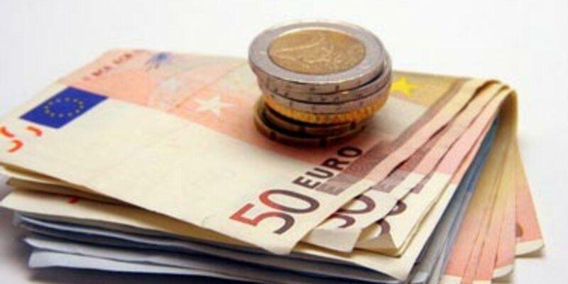 Geld - Foto: Fotolia.com / M. Chanet