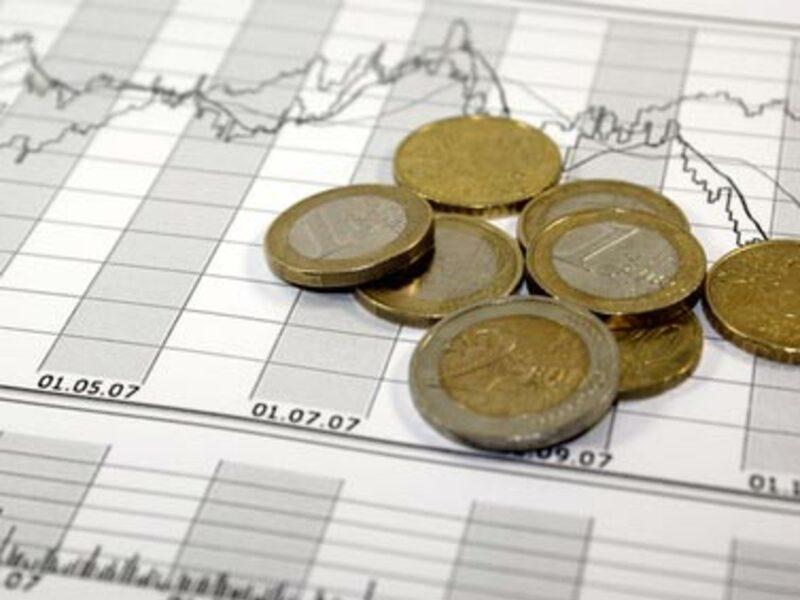 Chart und Kleingeld - Foto: Fotolia.com / Rhombur