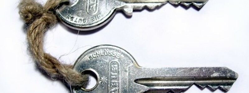 Die Schlüssel zum Traumhaus - Foto: Commons.wikimedia.org © Sebastian Hartlaub (CC BY-SA 3.0)
