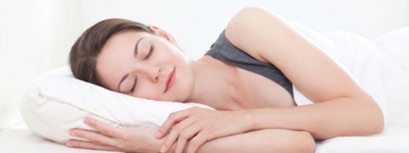 Abbildung 1: Gesunder Schlaf ist essentiell für das körperliche Wohlbefinden. - Foto: © Ana Blazic Pavlovic - Fotolia.com