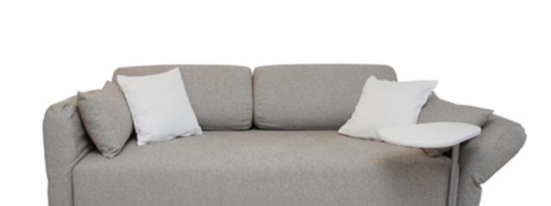Abbildung 8: Eine Schlafcouch lässt sich mit wenigen Handgriffen vom Sitzmöbel in eine Schlafstätte umbauen. - Foto: © Andreas Haertle - Fotolia.com