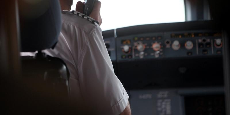 Pilot im Cockpit - Foto: über dts Nachrichtenagentur