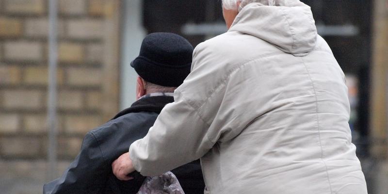 Senioren mit Rollstuhl - Foto: über dts Nachrichtenagentur