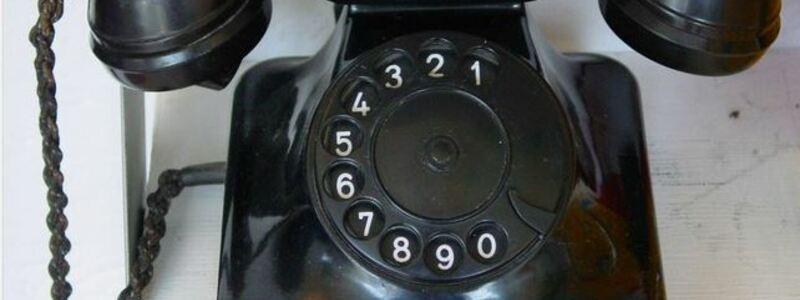 Telefon aus den 1940er Jahren. - Foto: Pixabay.com © Pixeleye (CC0 1.0)