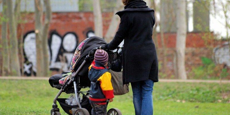Mutter mit Kinderwagen - Foto: über dts Nachrichtenagentur