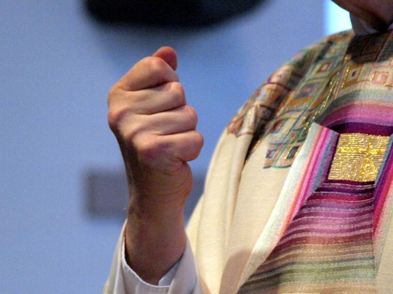 Katholischer Pfarrer in einer Messe - Foto: über dts Nachrichtenagentur