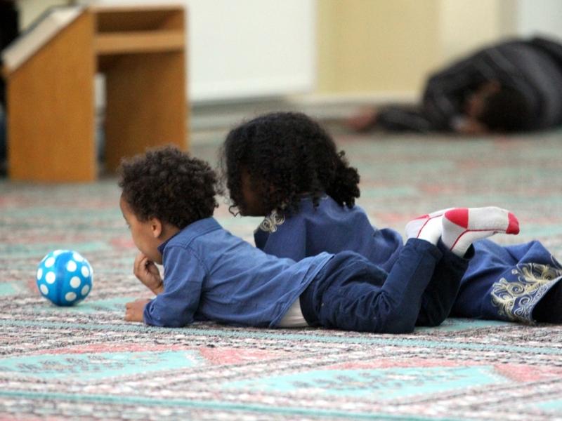 Kinder von Moslems in einer Moschee - Foto: über dts Nachrichtenagentur