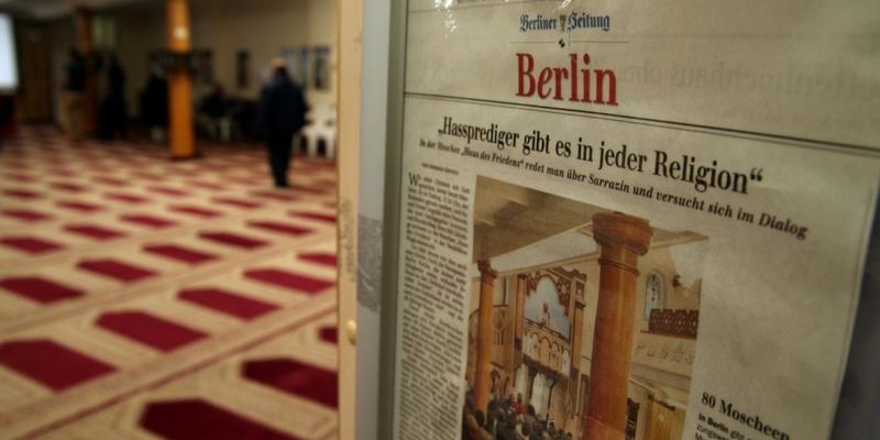 Zeitungsausschnitt über Hassprediger in einer Berliner Moschee - Foto: über dts Nachrichtenagentur