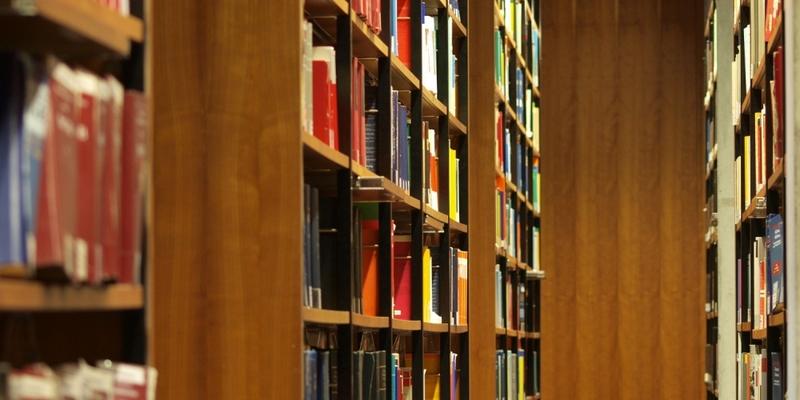 Bücher in einer Bibliothek - Foto: über dts Nachrichtenagentur