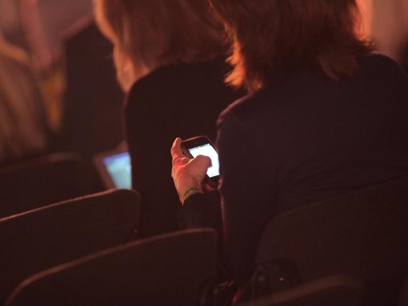 Geschäftsfrauen mit Smartphone - Foto: über dts Nachrichtenagentur