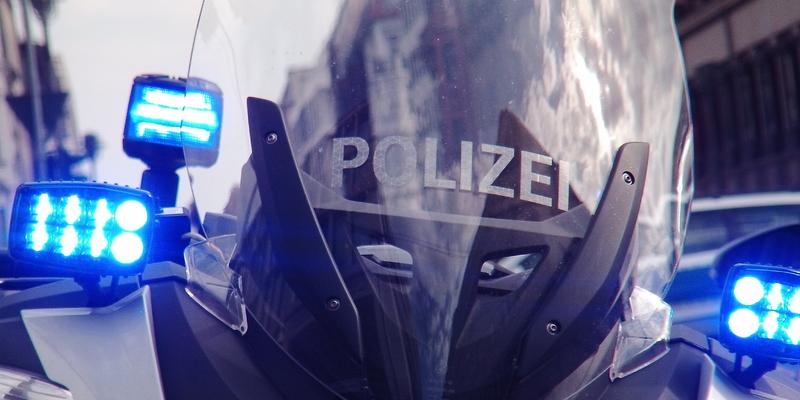 Polizeieinsatz - Foto: ad-hoc-news.de