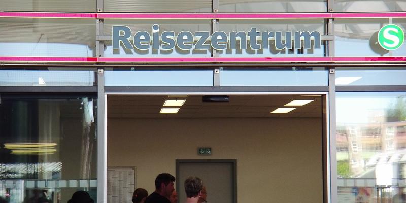 Reisezentrum Deutsche Bahn - Foto: ad-hoc-news.de