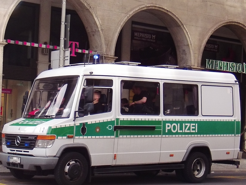 Polizeieinsatzwagen - Foto: ad-hoc-news.de