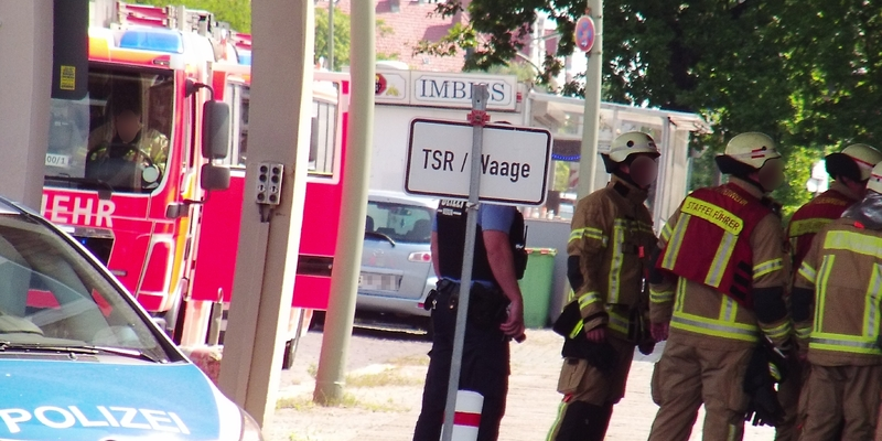 Feuerwehrmänner - Foto: ad-hoc-news.de