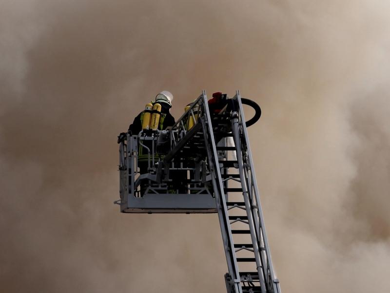 Feuerwehr auf einer Drehleiter - Foto: über dts Nachrichtenagentur