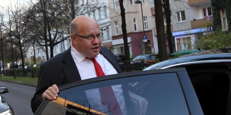Peter Altmaier steigt in seien Dienstwagen - Foto: über dts Nachrichtenagentur