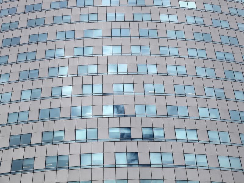 Glasfassade an einem Bürohaus - Foto: über dts Nachrichtenagentur