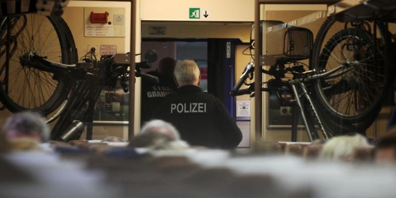 Grenzkontrolle im Zug - Foto: über dts Nachrichtenagentur