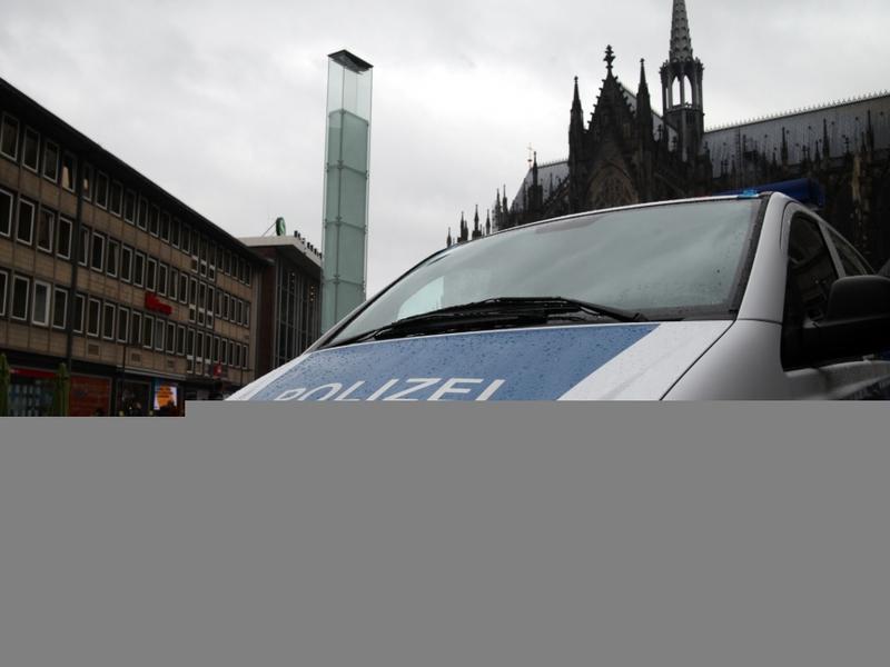 Polizeiauto vor Kölner Dom und Hauptbahnhof - Foto: über dts Nachrichtenagentur