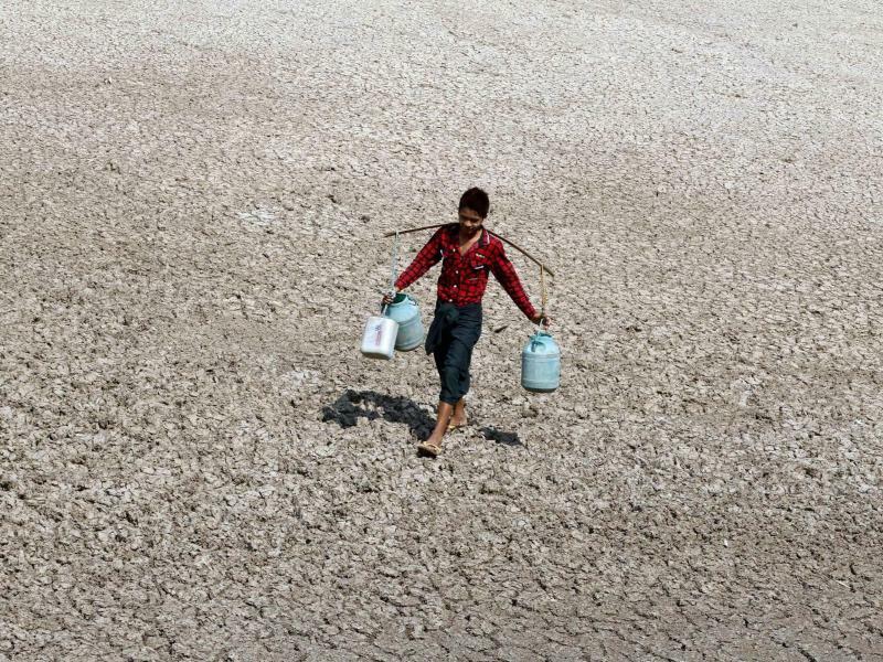Trockenes Land - Foto: Hein Htet