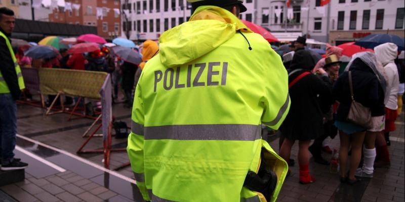 Polizei im Karneval - Foto: über dts Nachrichtenagentur