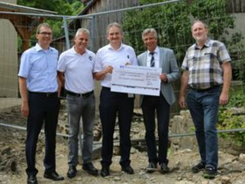 40 Mitarbeiter packten mit an / 25.000 Eur-Spende für betroffene Ortschaften - Foto: ebm-papst Mulfingen GmbH & Co. KG, pressetext.de