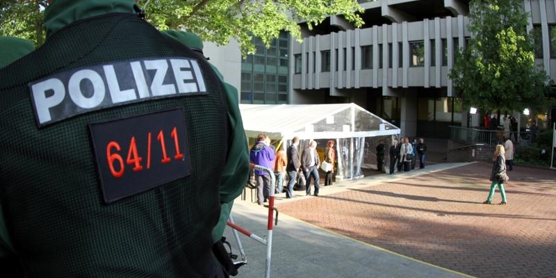 Polizist beim NSU-Prozess vor dem Strafjustizzentrum München - Foto: über dts Nachrichtenagentur