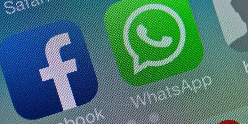 Facebook und WhatsApp - Foto: Patrick Pleul