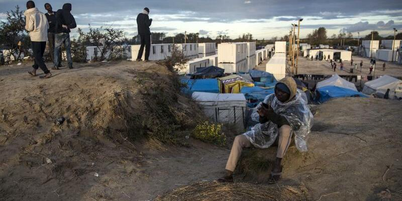 Flüchtlinge in Calais - Foto: Etienne Laurent