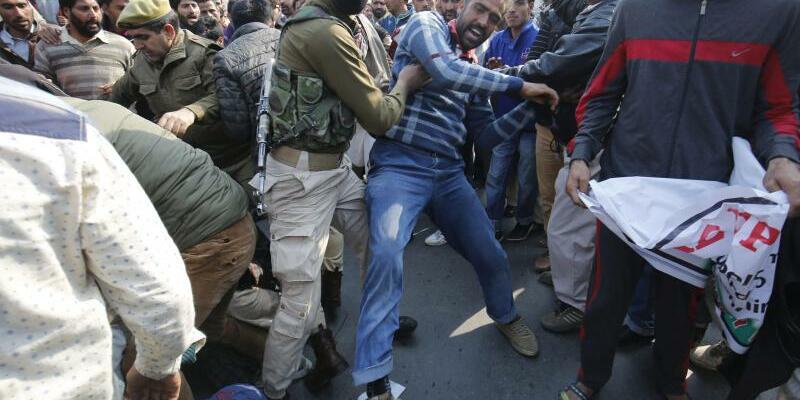 Hartes Vorgehen gegen Maoisten - Foto: In Indien wurden 18 Maoisten getötet. Sie lehnen die parlamentarische Demokratie ab und kämpfen nach eigener Aussage für die arme Landbevölkerung. Foto:Farooq Khan