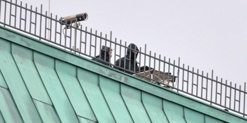 Sicherheitskräfte - Foto: Paul Zinken