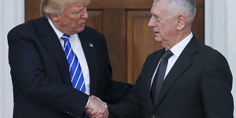 Trump und Mattis - Foto: Aude Guerrucci