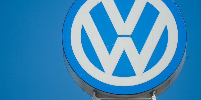 Volkswagen - Foto: Auch in diesem Jahr dürfte VW wieder mehr als zehn Millionen Fahrzeuge verkaufen - trotz der Diesel-Krise. Foto:Julian Stratenschulte
