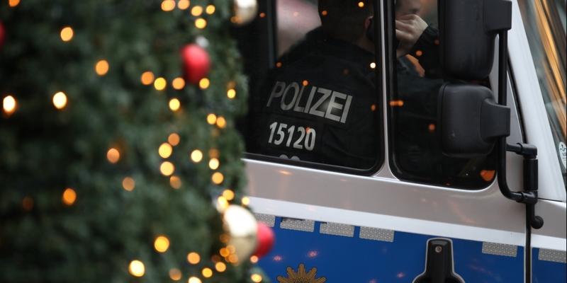 Polizei auf Weihnachtsmarkt - Foto: über dts Nachrichtenagentur
