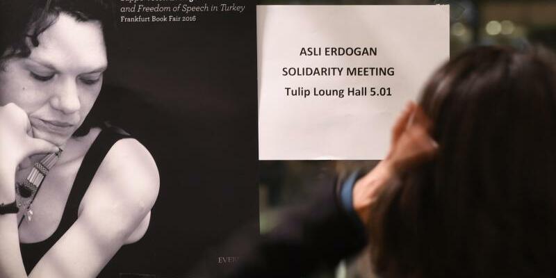 Asli Erdogan - Foto: Arne Dedert