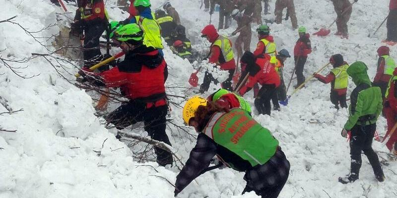 Rettungskräfte - Foto: The National Alpine Cliff and Cave Rescue Corps (CNSAS)