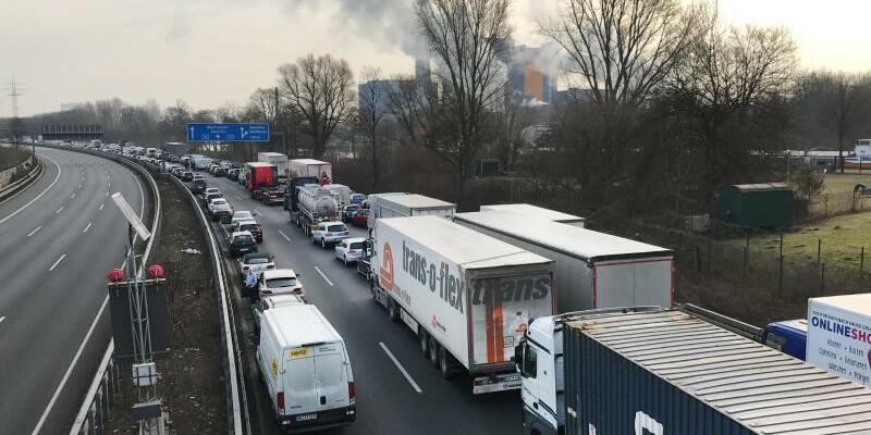Zwischenfall in Chemiebetrieb - Foto: Arnulf Stoffel