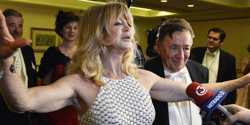 Wiener Opernball - Foto: Richard Lugner schwärmt von seinem Gast Goldie Hawn. Foto:Herbert Pfarrhofer
