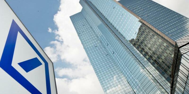 Deutsche Bank - Foto: Boris Roessler/Archiv